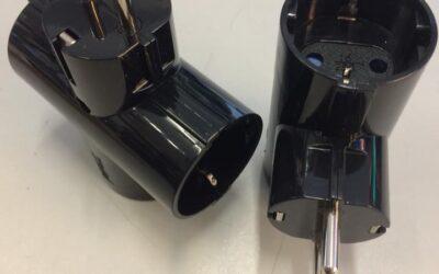Adaptadores triple con entrada lateral en color negro
