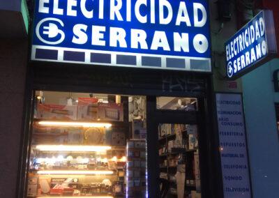 local- exterior electricidad-serrano